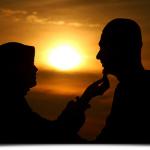 15 Sifat Isteri Solehah